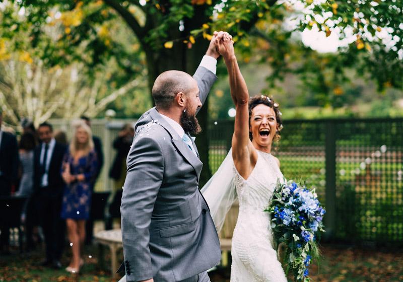 cabina cu nebunii, nunta, mire si mireasa, succes